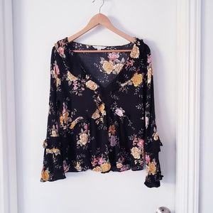 American Eagle  Black Floral Flare Sleeve Sz L